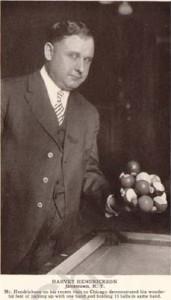 Harvey Hendrickson 15 bolas en una mano